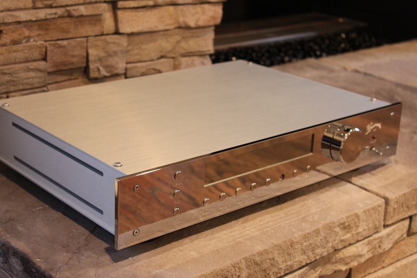 Burmester 035 Preamplifier With Optional Moving Coil Phono Stage