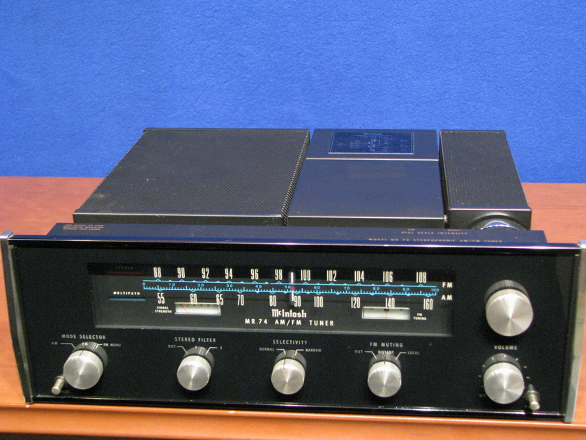 McIntosh MR74 Tuner AM/FM One owner, great condition, excellent glass,  Excellent FM reception, factory box included Checked by Factory Service center