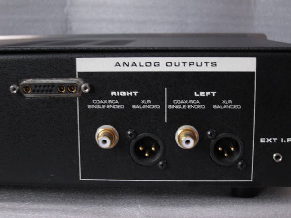 Sonic Frontiers sfcd-1 tube player with i2se digital out upgrade