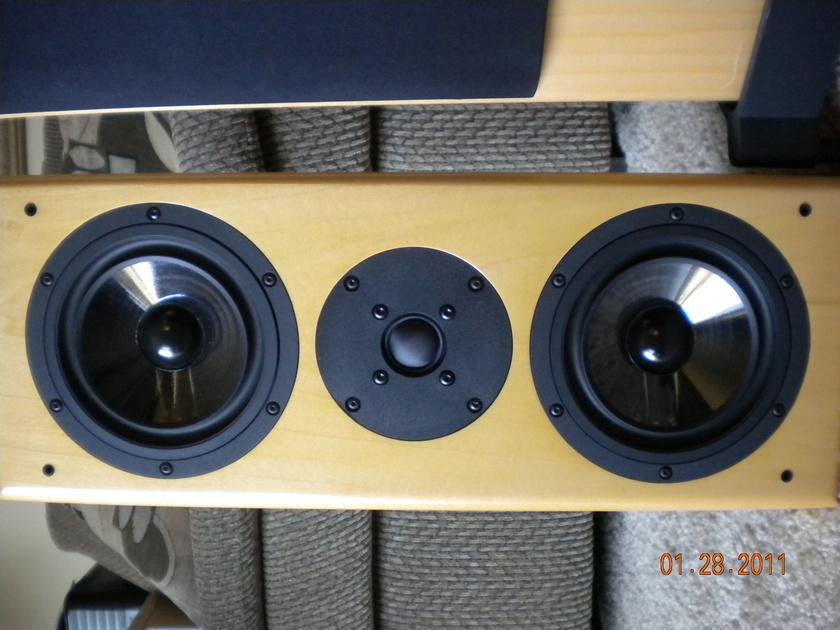 Vienna Acoustics  Waltz Grand Maple