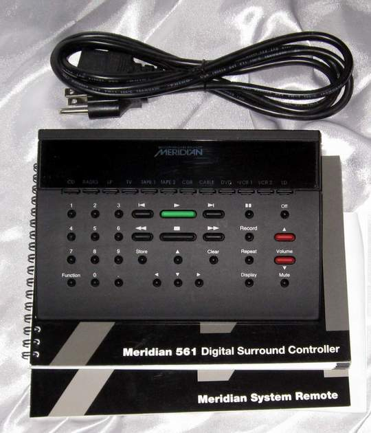 Meridian 561 DD DTS etc surround processor preamplifier with remote