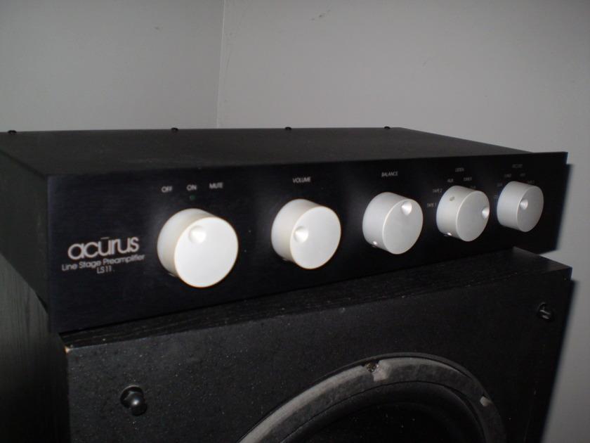 ACURUS LS-11  LINE STAGE PRE-AMP