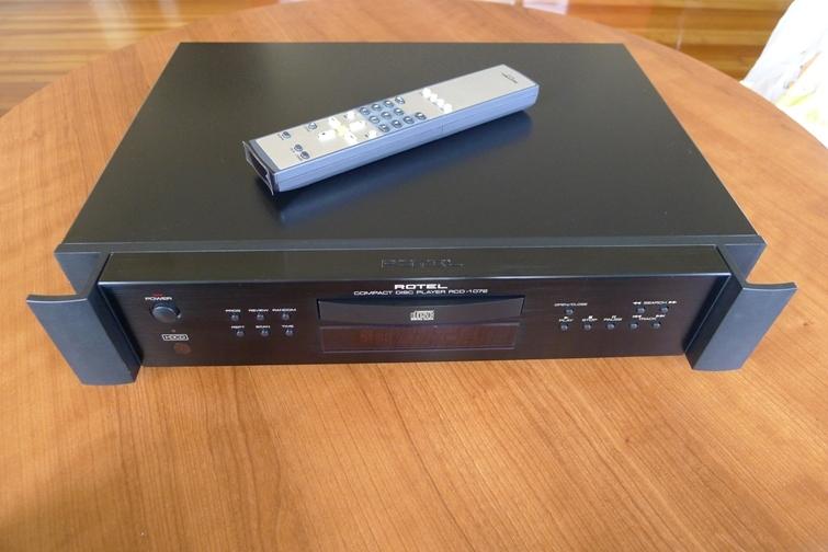 Rotel RCD 1072 CD Player Black