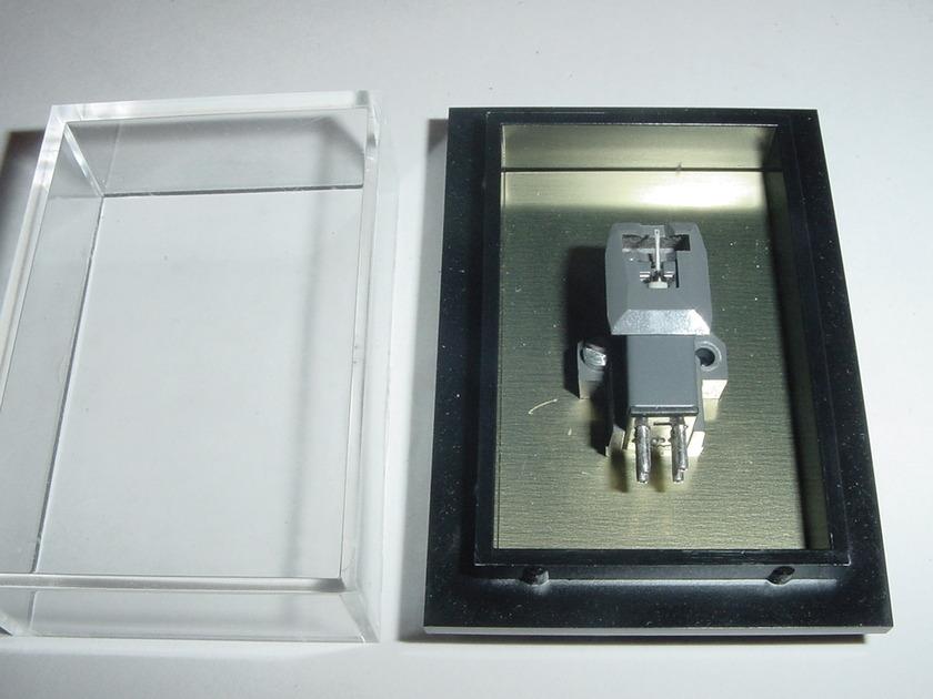 Linn K9 cartridge new  5 hours MINT  MM type