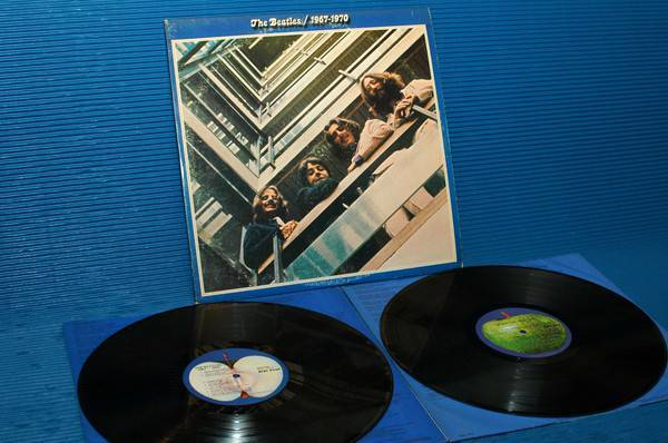 "THE BEATLES -  - ""Blue Album 67-70"" -  Apple 1973 'blue labels' Original"