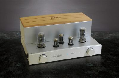 Consonance  Cyber 30 Signature 2a3 SET Integrated   3.5 wpc
