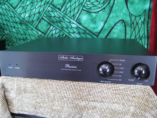 Audio Analogue Puccini sparkling integrated w/ phono