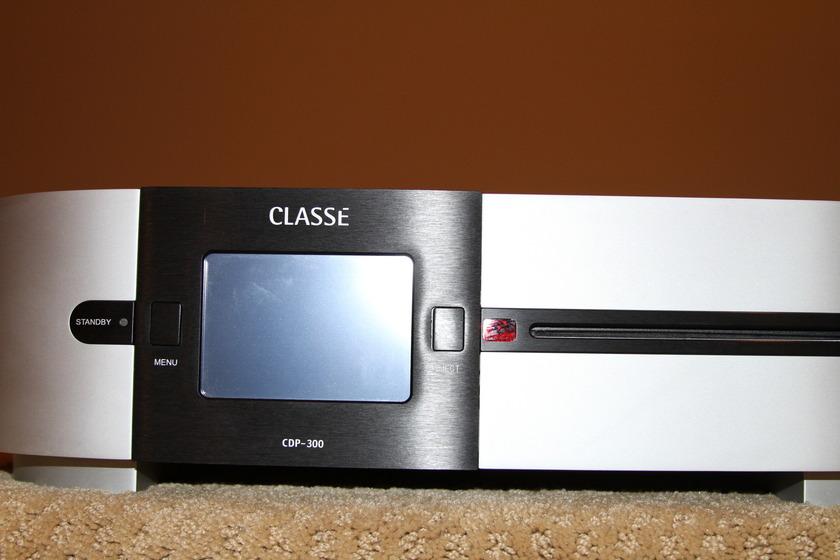 Classe CDP-300 Universal Player