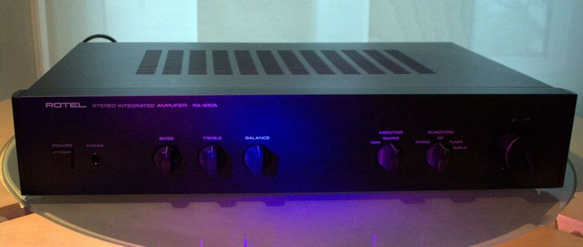ROTEL RA 810A  STEREO AMP