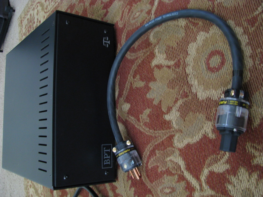 BPT (Balanced Power Technologies) BPT-2+ Upgraded Oyaide Outlets