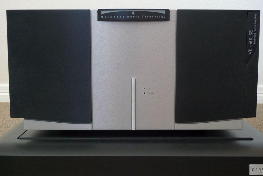 Balanced Audio Technology (BAT) VK - 600SE Power Amplifier Super-Pak