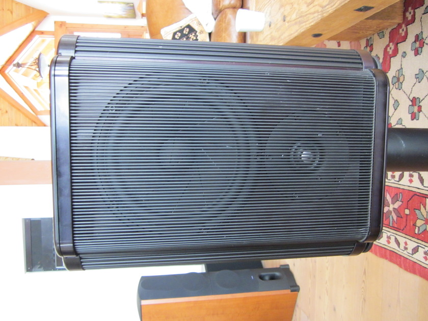 Krell  LAT-2000 Black with stands