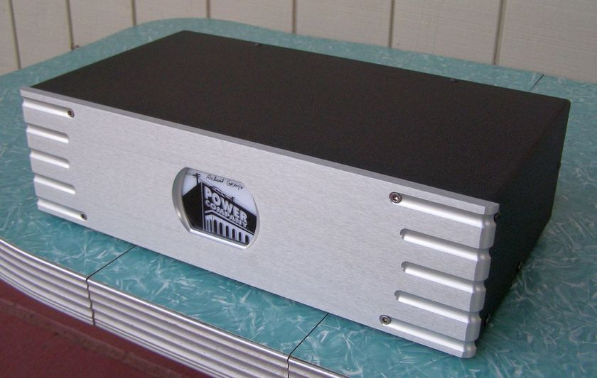 Richard Gray Power Company 1200S Power Conditioner ... Silver Face