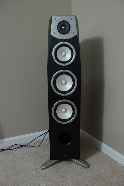 LIKE NEW Yamaha Soavo-1  Floorstanding Speaker - 5 Months old