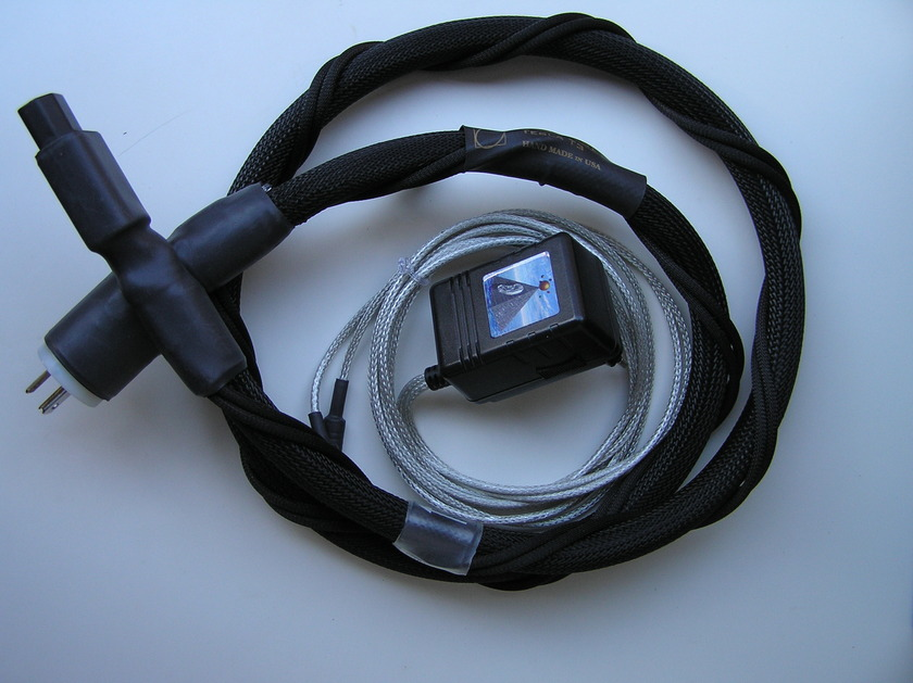 Synergistic Research Tesla T3 power cord 5ft USA Power Plug,  230V MPC for 2 cables ,from Europe