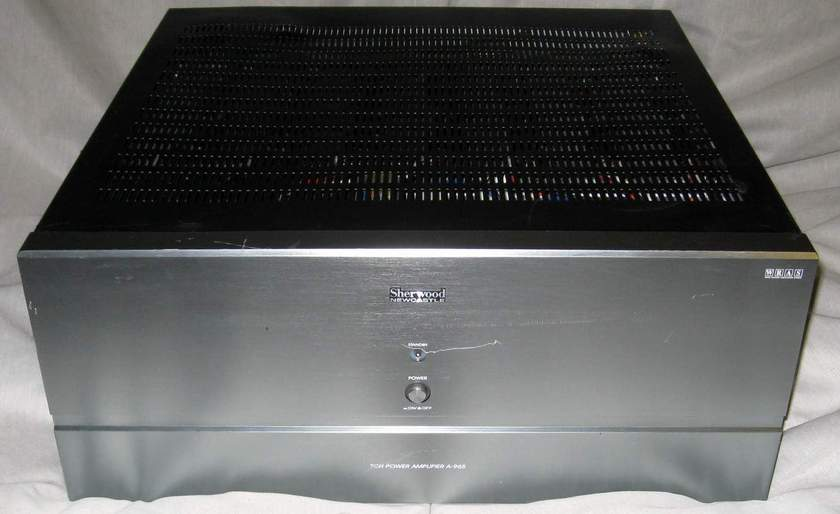 Sherwood A-965 7 channel power amplifier with 12v trigger on