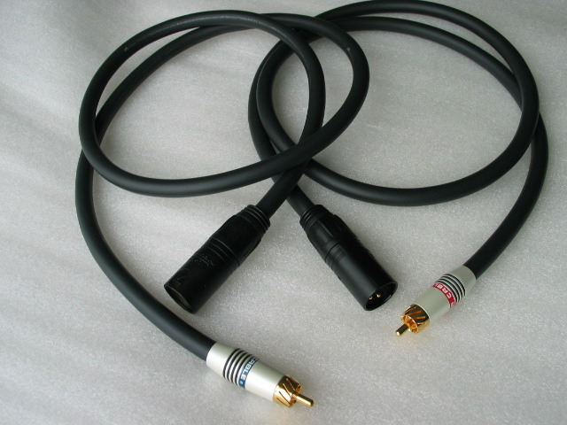 Monster Cable Male XLR / RCA M Series M1000i  interconnect cable 1M