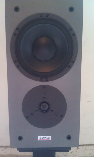 Dynaudio  Confidence 3 Rosewood