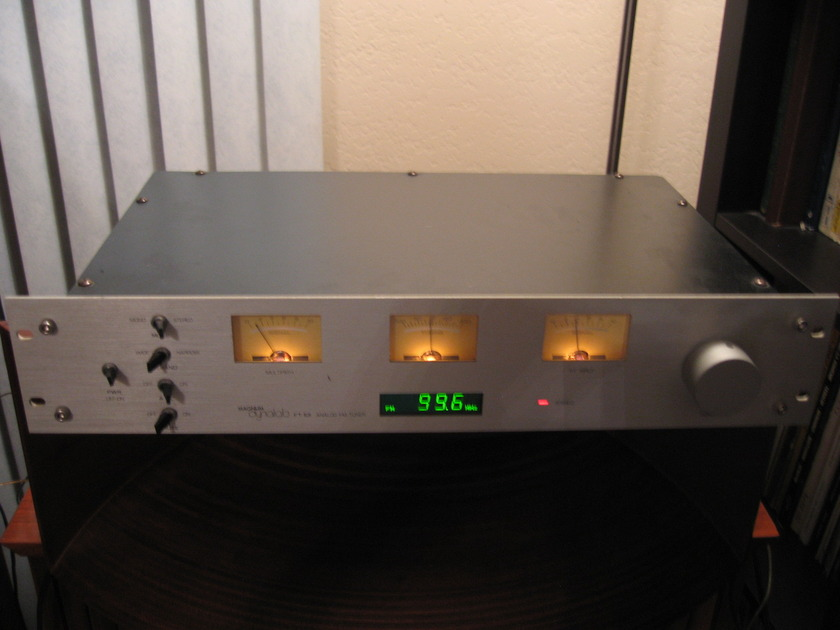 Magnum Dynalab F-101 Rare Silver front FM Tuner