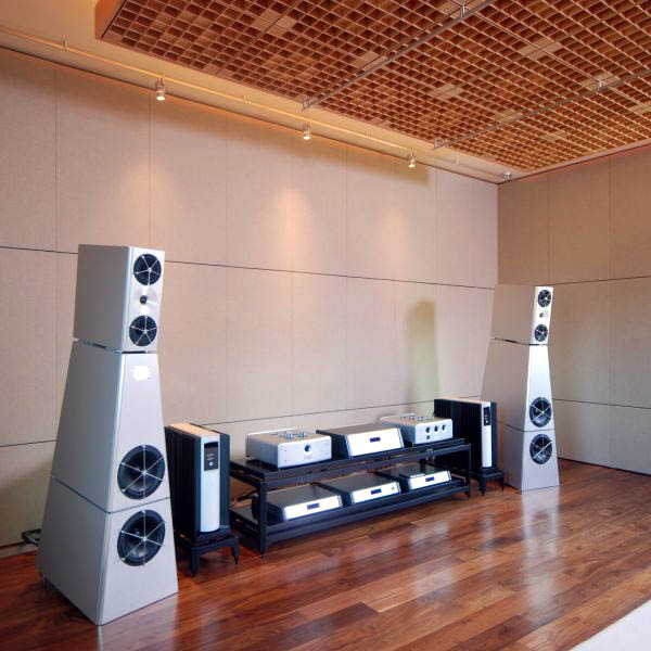 Steve Blinn Designs Our Audiophile Racks always find really nice homes