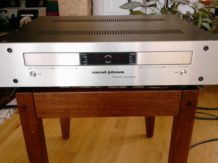 conrad-johnson Premier 14 Amazing c-j preamp  magic