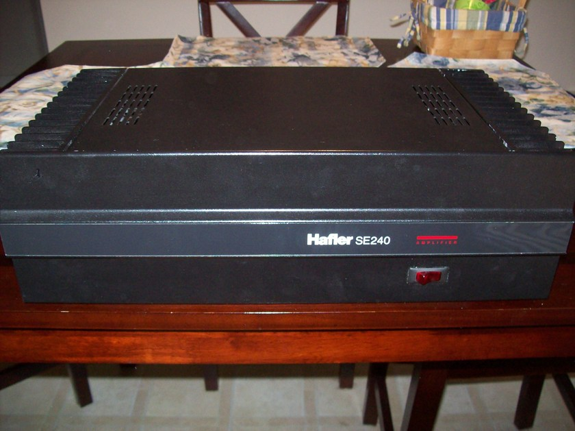 Hafler 2 Channel power amplifier SE240 Excellent used condition!
