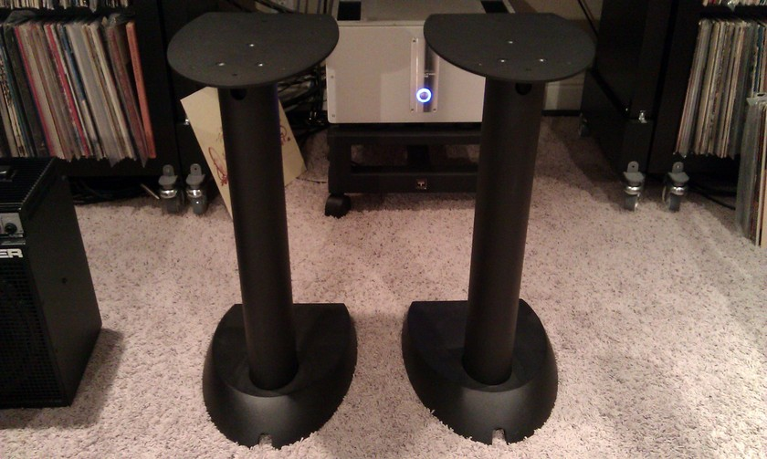 B&W 805S Stands In Black