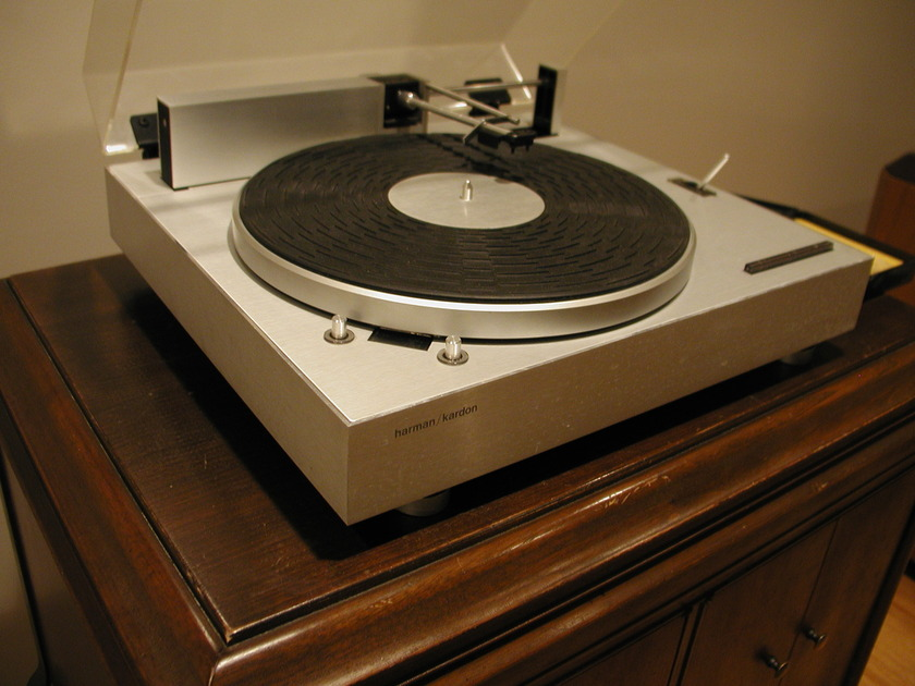 Harman Kardon ST 7 Turntable Linear Tracking, excellent condition