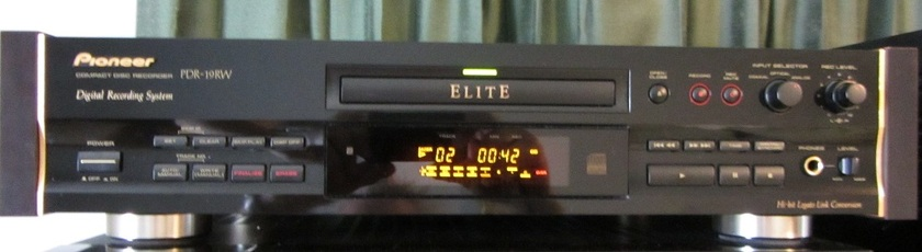 Pioneer Elite PDR-19RW Compact Disc Recorder