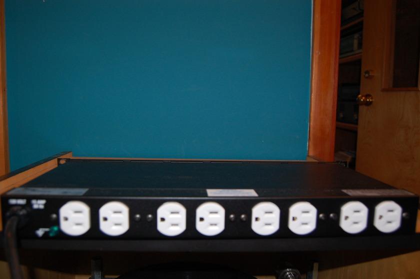 Middle Atlantic  PD-915-R-M Power Distributor