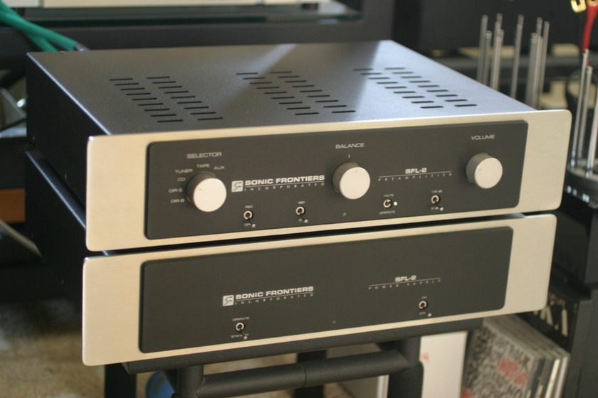 Sonic Frontiers  SFL-2  all tube preamp