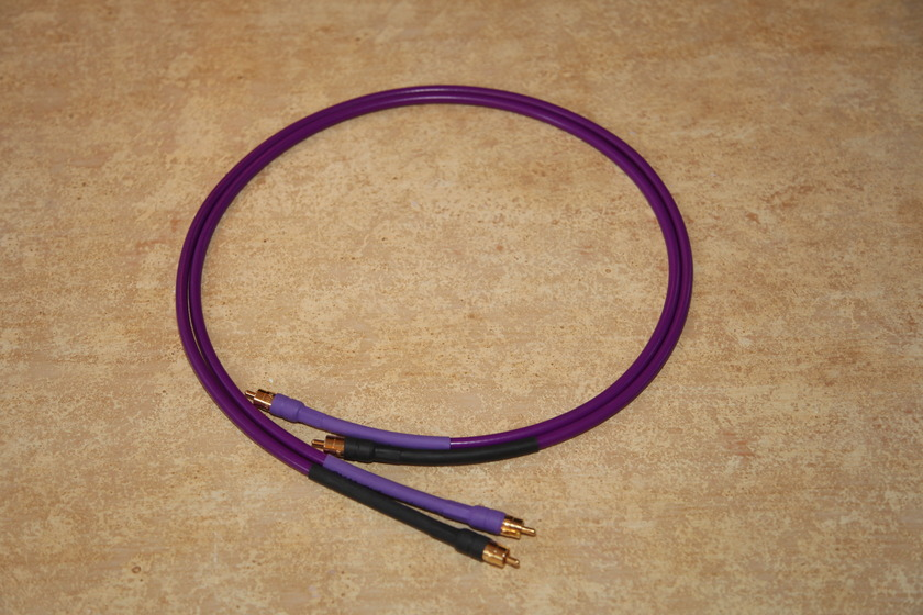 Analysis Plus Oval 1 3.5' RCA Interconnect