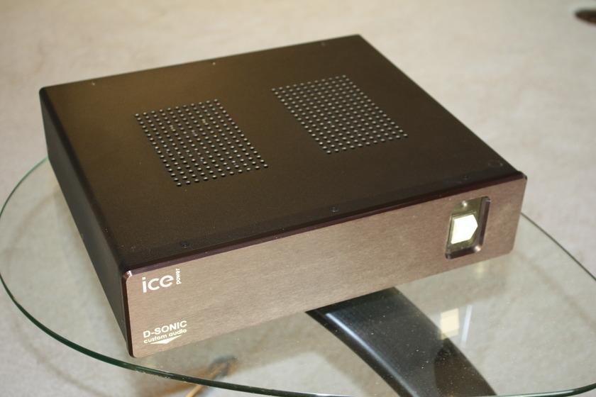 D-Sonic  Magnum 1000S 1000 watt stereo amp
