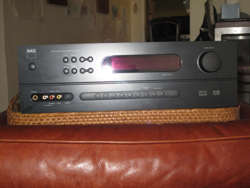 NAD T743 Great Condition