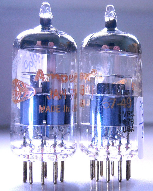 AMPEREX 7308 6922 E88CC MATCHED PAIRS VR5 SERIES GOLD PIN CCa ECC88 E188CC TESTED AS NOS 1967-68