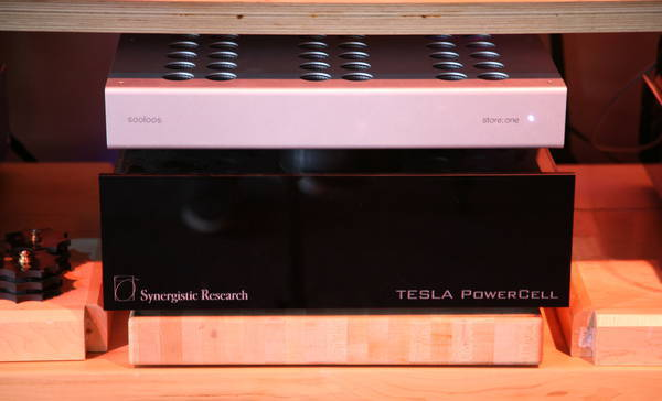 Synergistic Research 10SE MK-II Top Power Conditioner