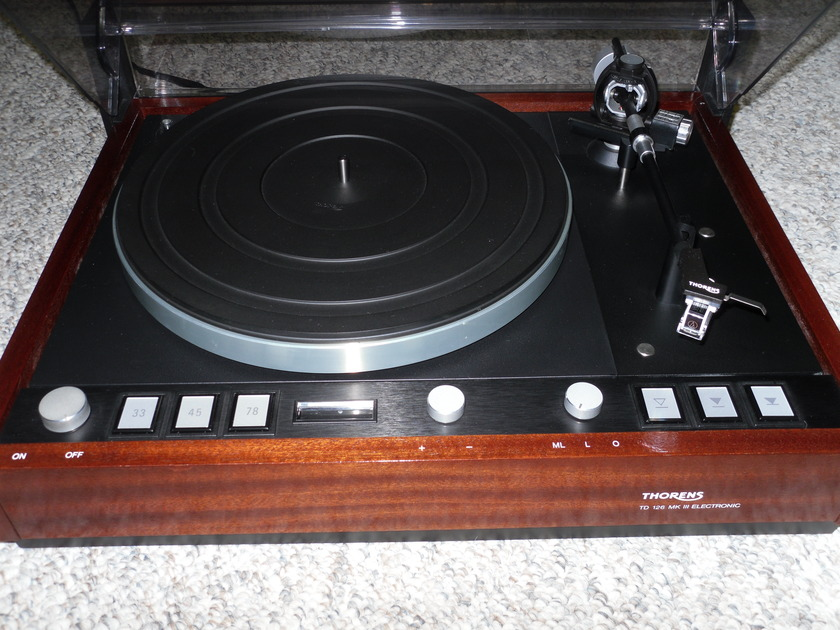 Thorens TD 126 mk III turntable w/extra armwand