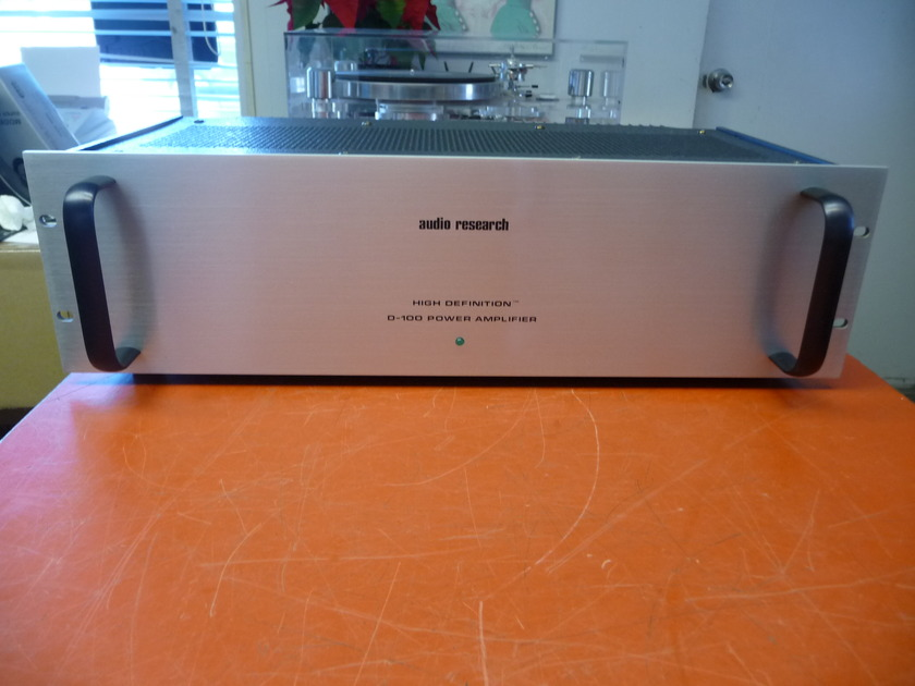 Audio Research D-100 SS Power Amp