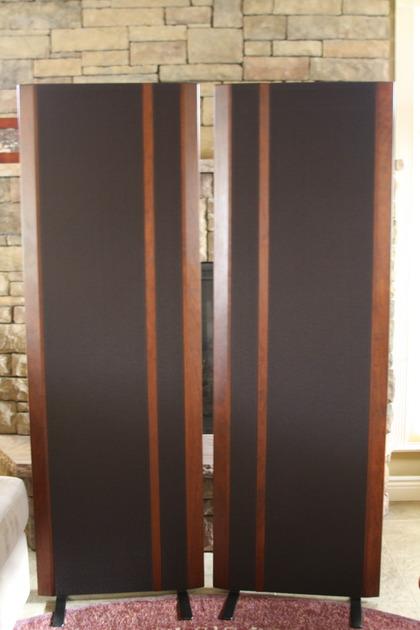 MAGNEPAN MG 3.6/R BLACK CLOTH WITH DARK CHERRY