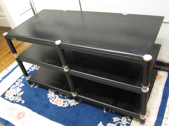VTI Audio/Video Rack BL503, Gently Used, For Pickup Only in Bay Area