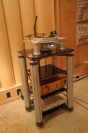 Adona Zero GXT 4 reference series audio rack