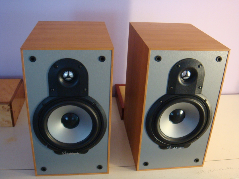 Dahlquist QX6  Bookshelf Speakers, cherry finish, Made in Canada