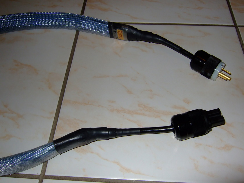 Magnan Cable Blue Signature Power Cord