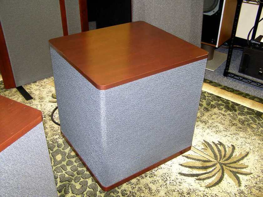 Vandersteen 2Wq Powered Subwoofer