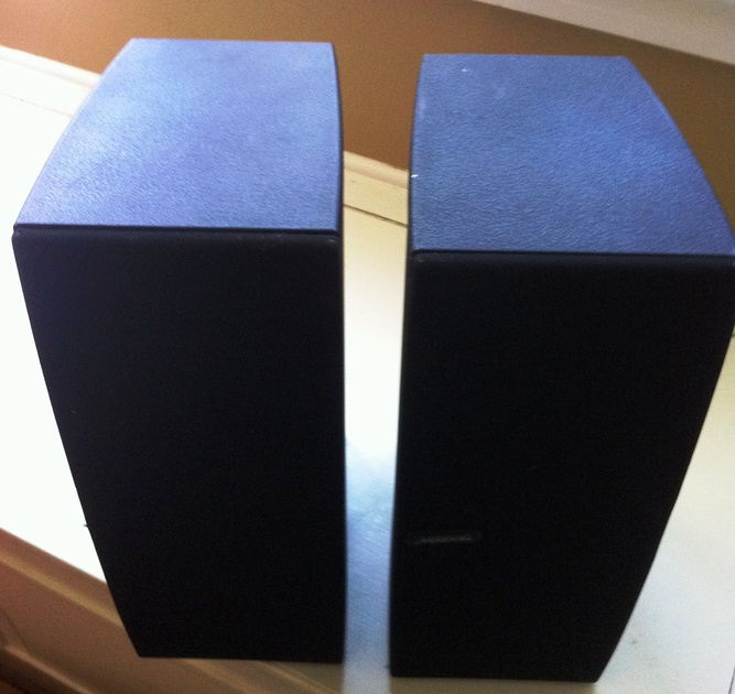 Meridian M33 Active speaker with RCA and XLR