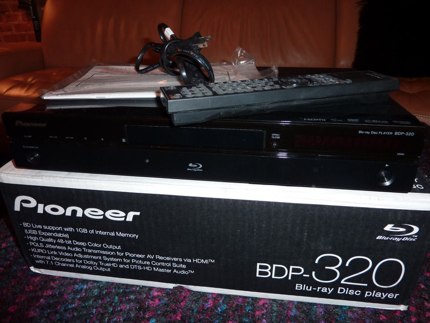 Pioneer BDP320 Blu-Ray Player
