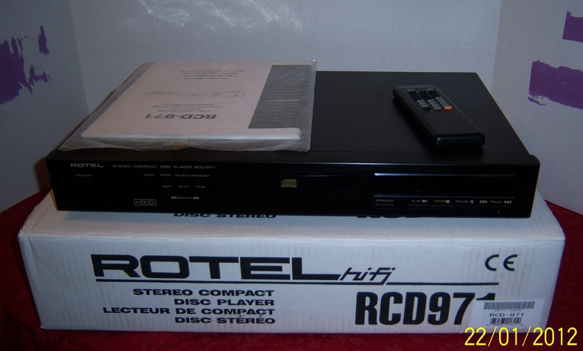 Rotel RCD-971 HDCD CD PLAYER