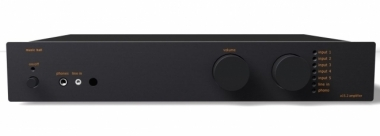 MUsic Hall A15.2   As New Int amp w/phono