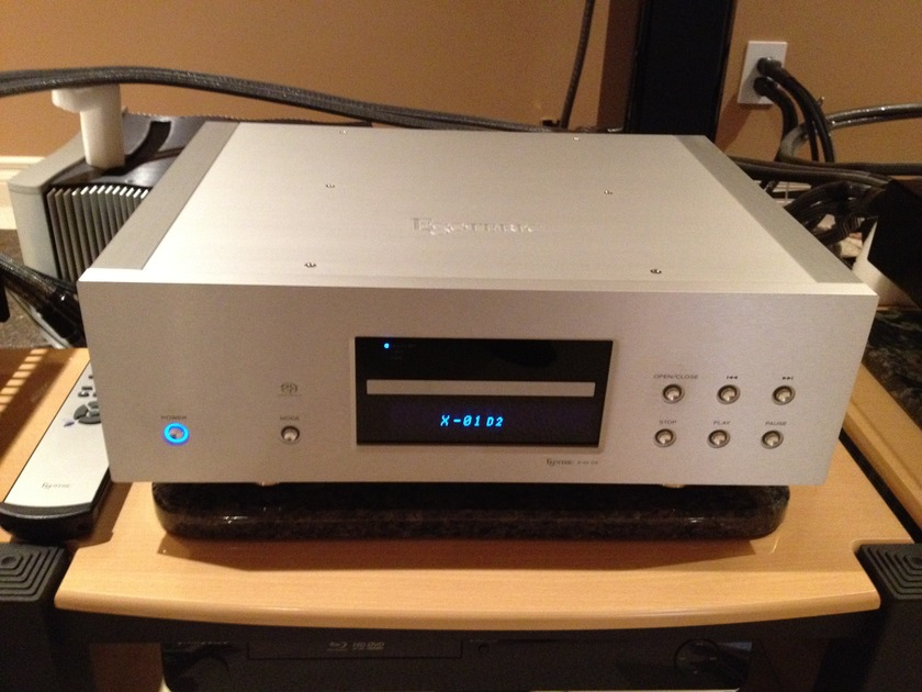Esoteric X-01D2  CD/SACD Player Also Available Wadia S7i