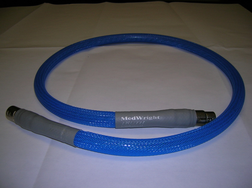 """MODWRIGHT """"TRUTH"""" Umbilical Power Cable (four feet length)"""